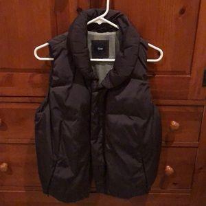 GAP gray puffer vest- like new